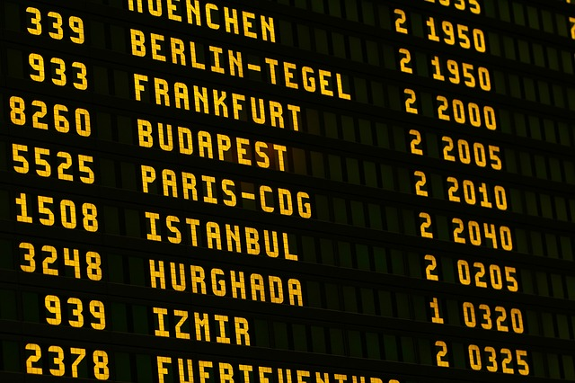 טיסתכם איחרה או בוטלה בפתאומיות? – אתם זכאים לפיצוי כספי!